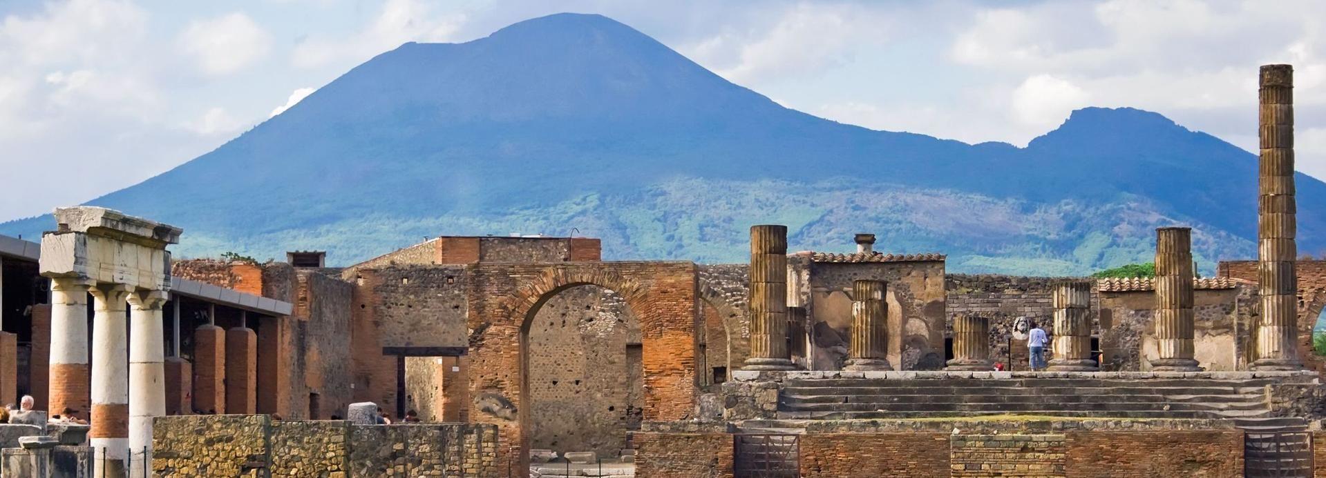 Naples: Full-Day Pompeii & Herculaneum Wine Tasting Tour