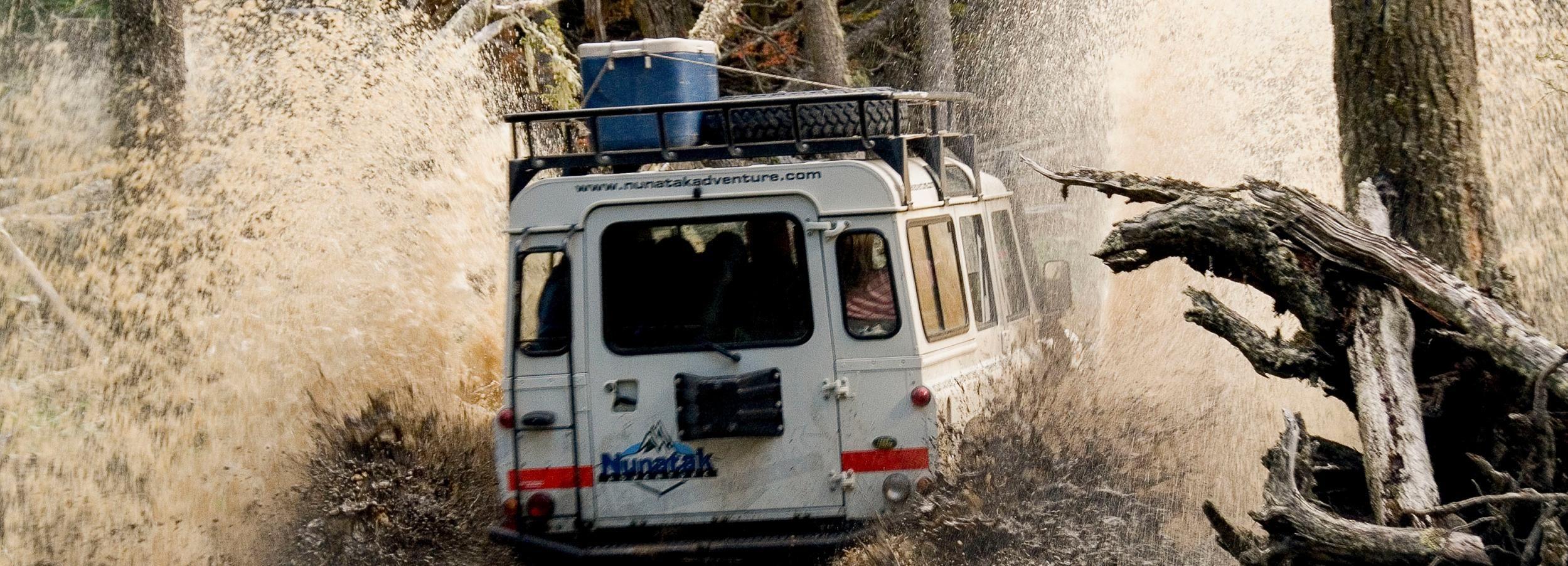 De Ushuaia: Viagem de Jipe no Lago Escondido com Canoagem