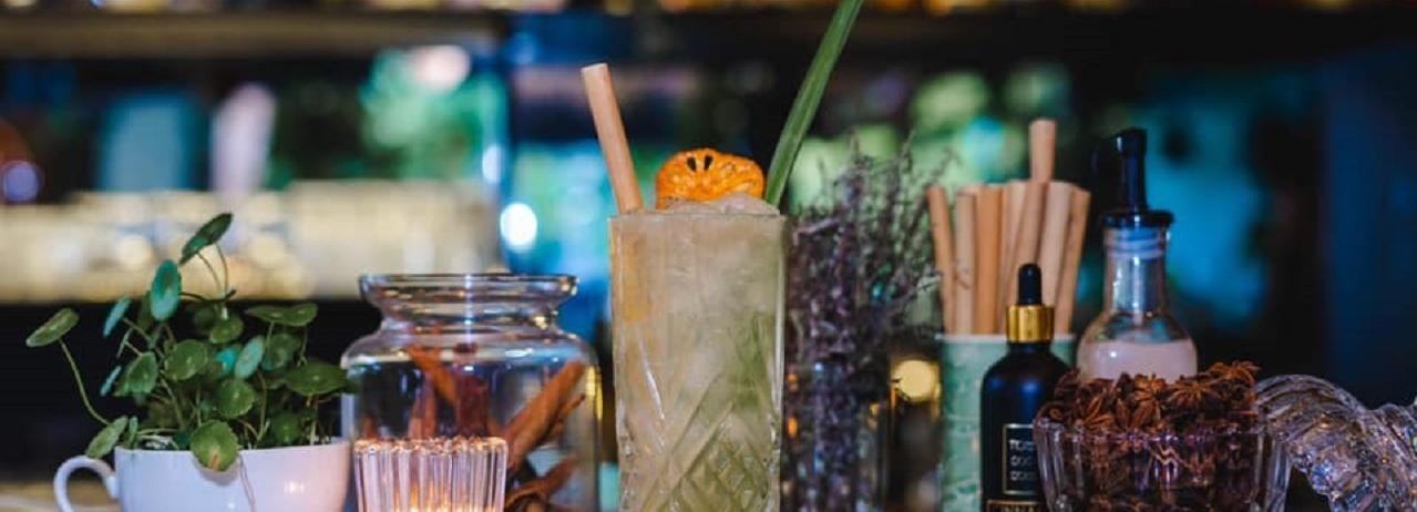 Siem Reap: Boutique Cocktail Tour by Tuk Tuk