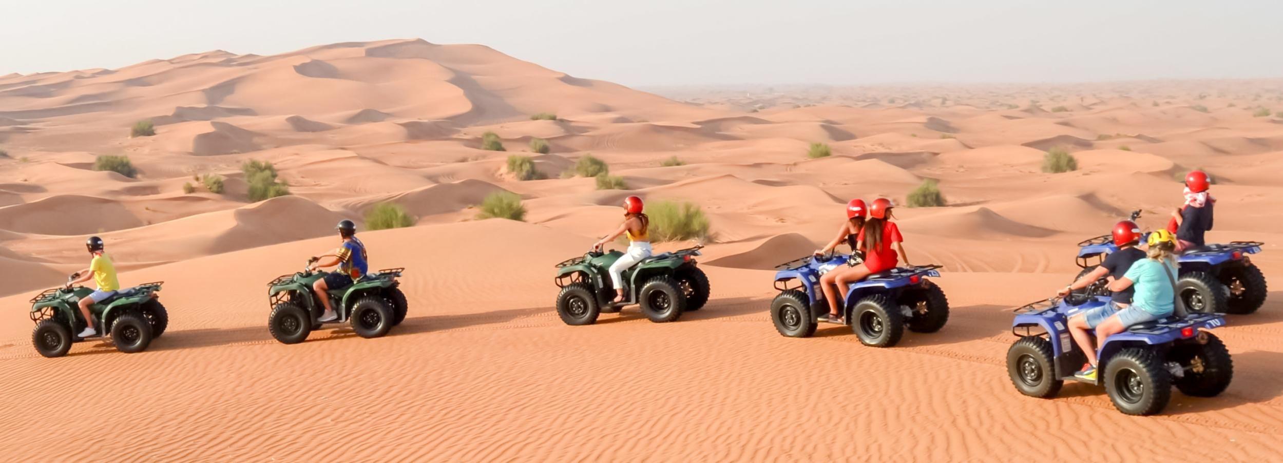 Dubai: Quadriciclo, Sandboard e Passeio a Camelo de Manhã
