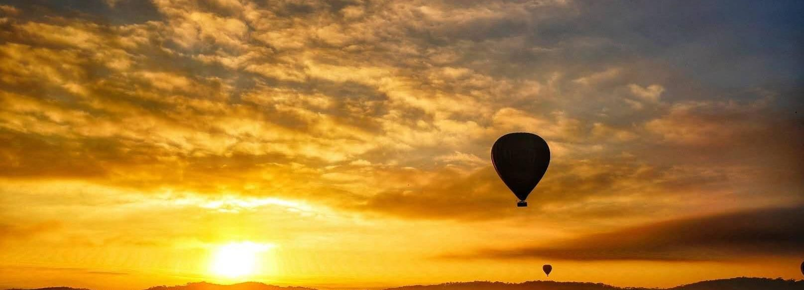Geelong: Balloon Flight at Sunrise