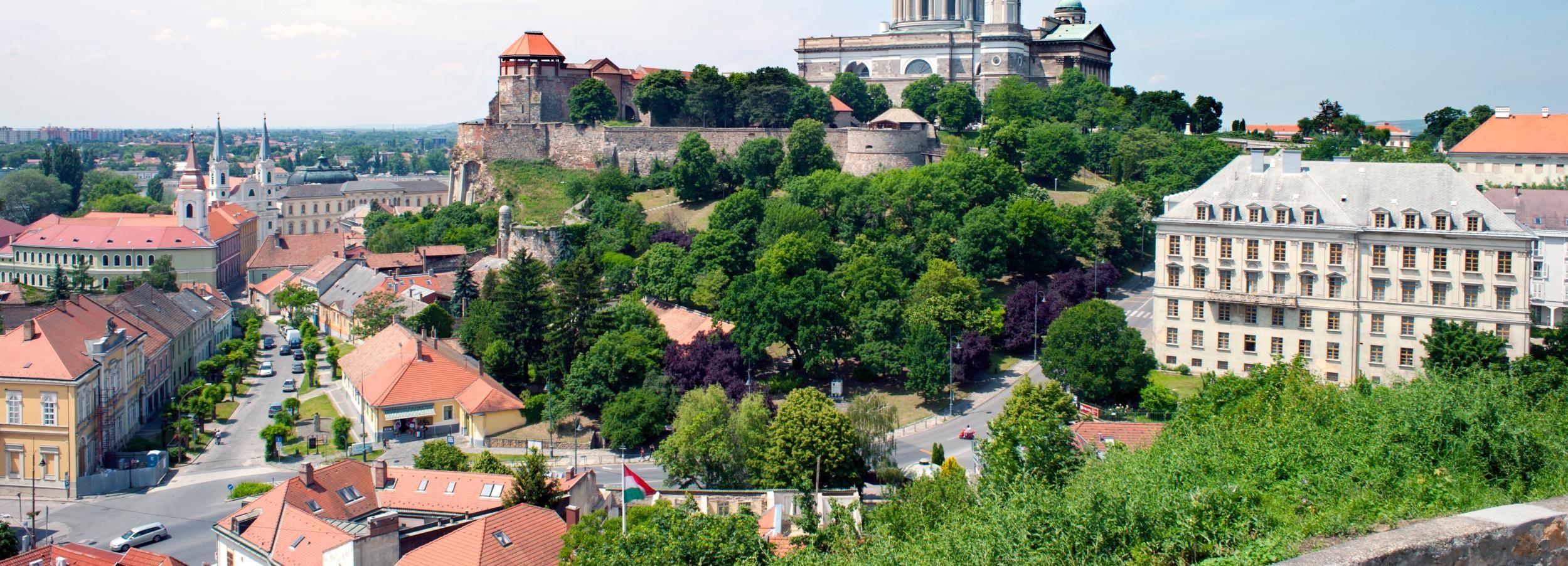 Ab Budapest: Tagestour zum Donauknie auf Englisch