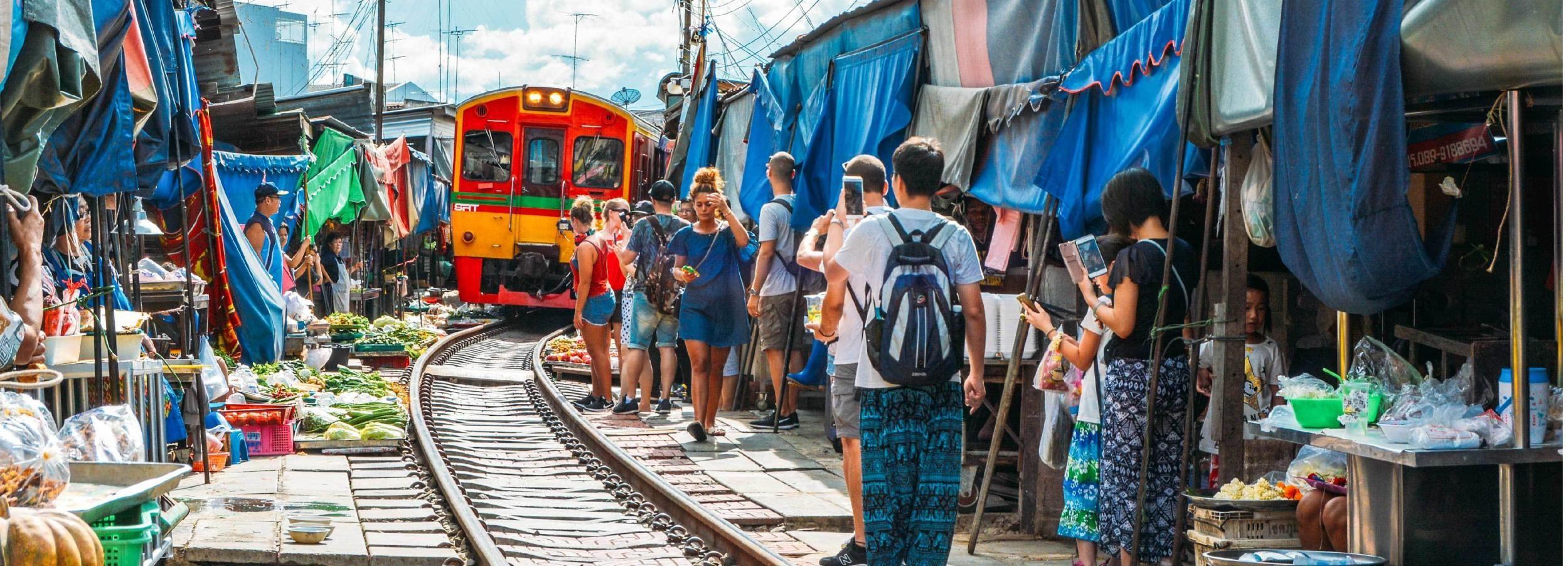 Desde Bangkok: Amphawa Floating Markets y Firefly Boat Tour