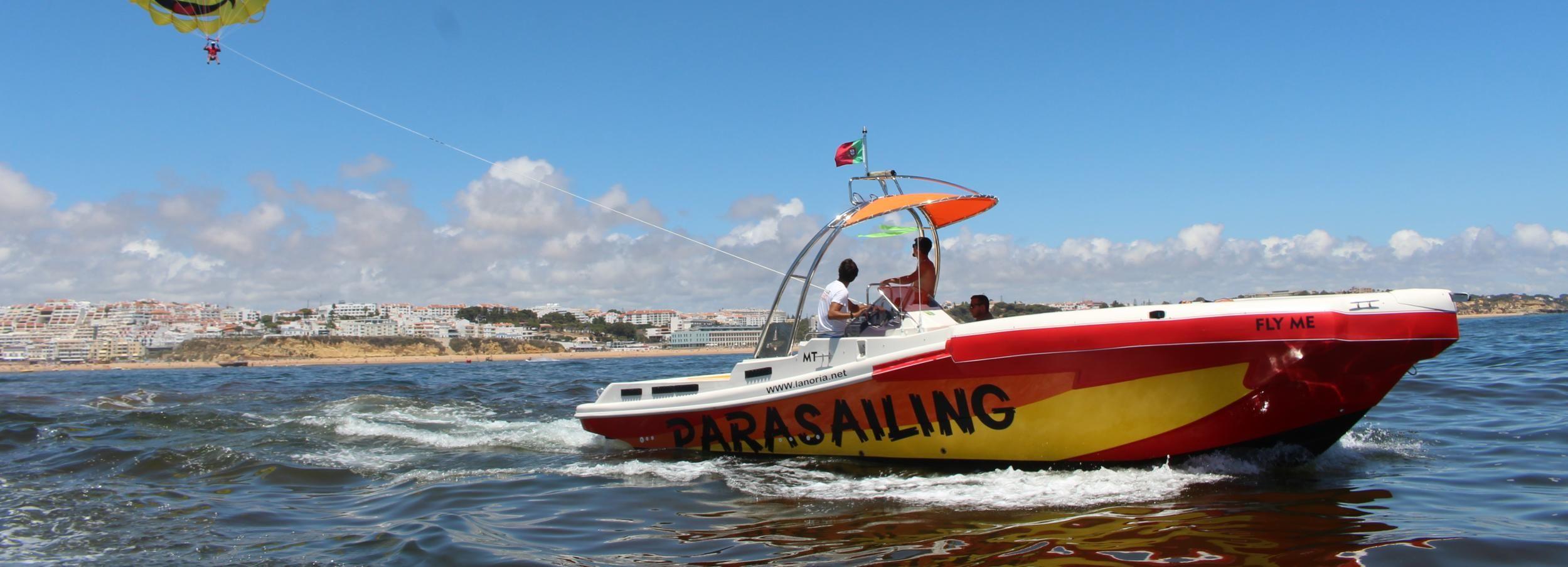 Albufeira: Passeio de Barco e Parasailing