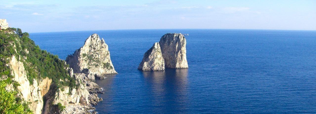 Desde Sorrento: tour grupal de día completo por la bahía de Capri y Jeranto