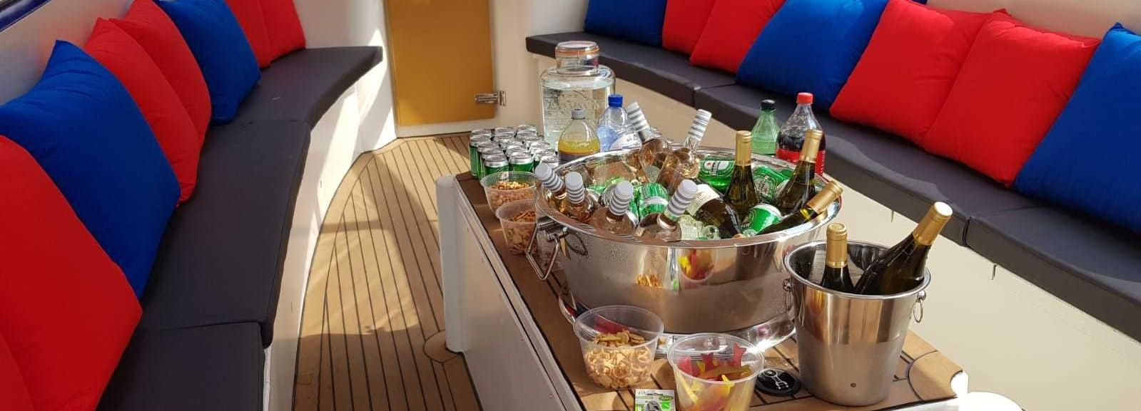 Amsterdam: Private Canal Booze Cruise