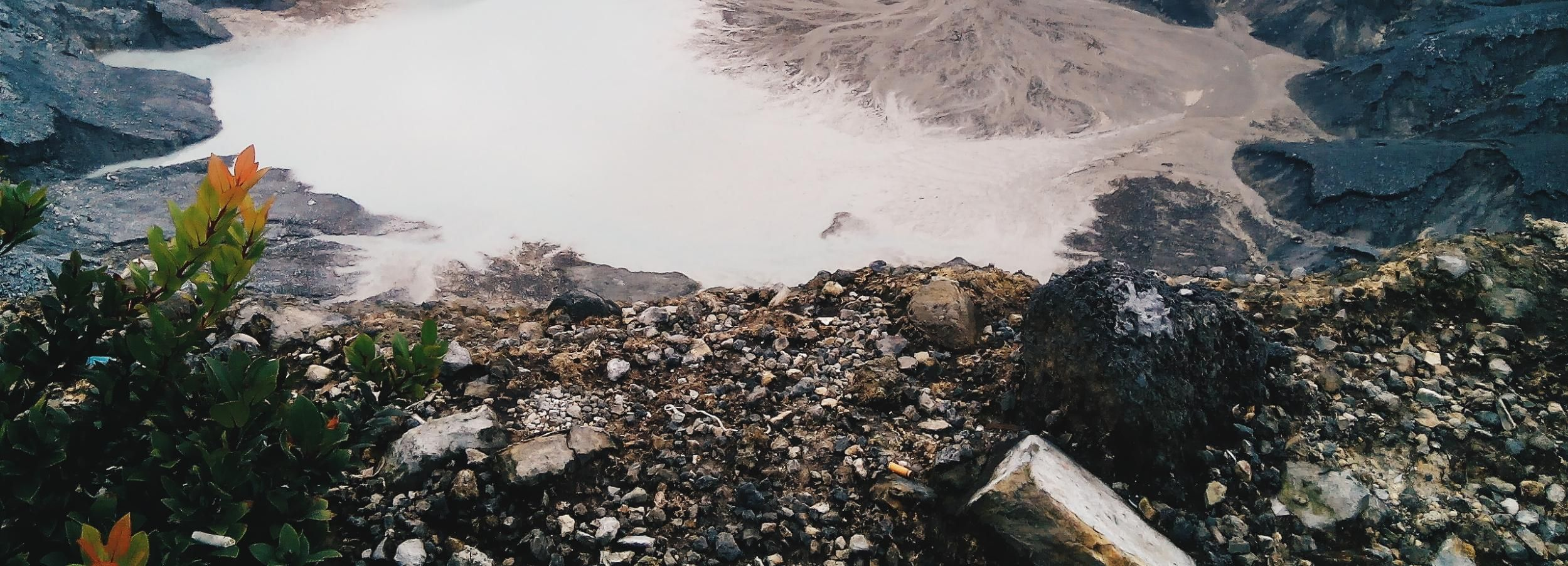 From Bandung: Full-Day Trip with Volcano and Hot Spring