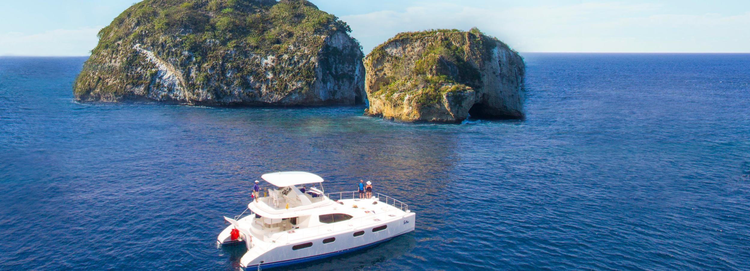 From Puerto Vallarta: Luxury Yacht & Snorkeling Tour