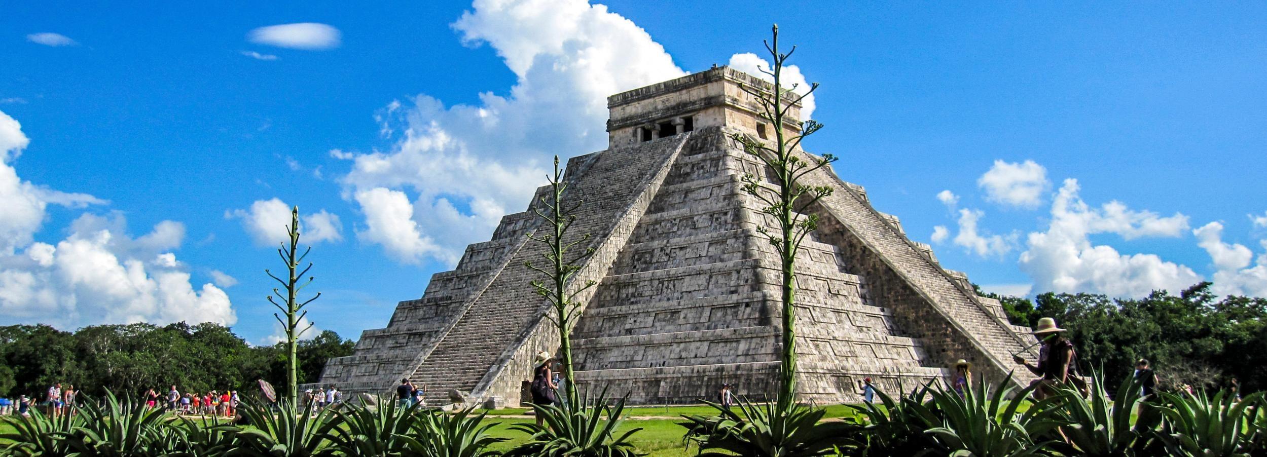 Tour nach Chichén Itzá, Hubiku und Ek'Balam