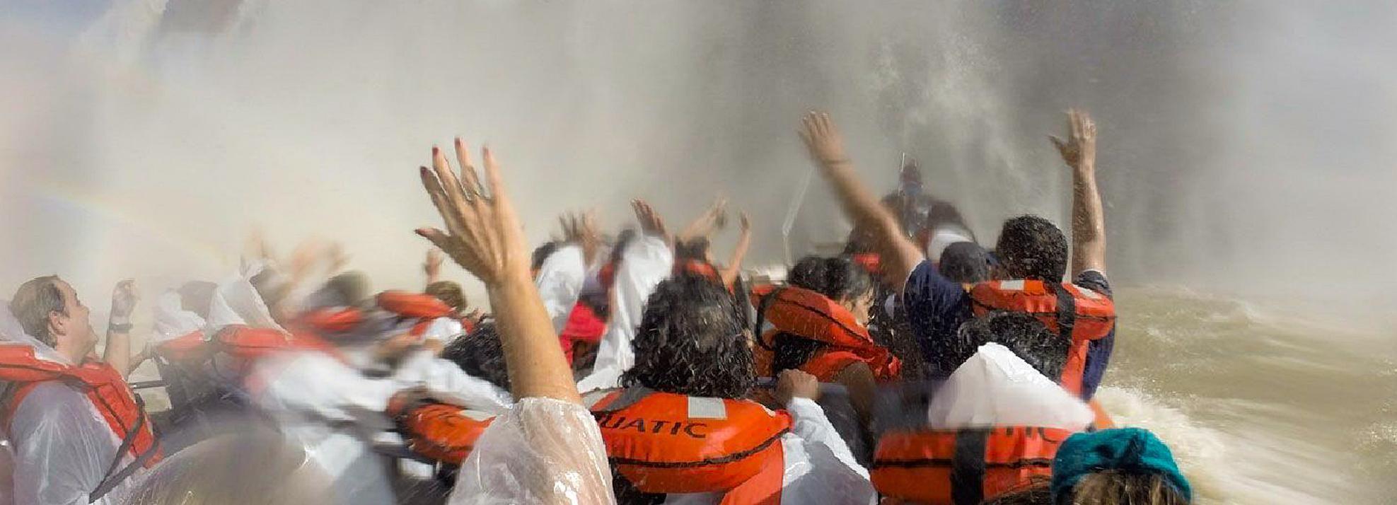 Iguazu Falls: Gran Aventura Boat and Argentinian Falls Tour