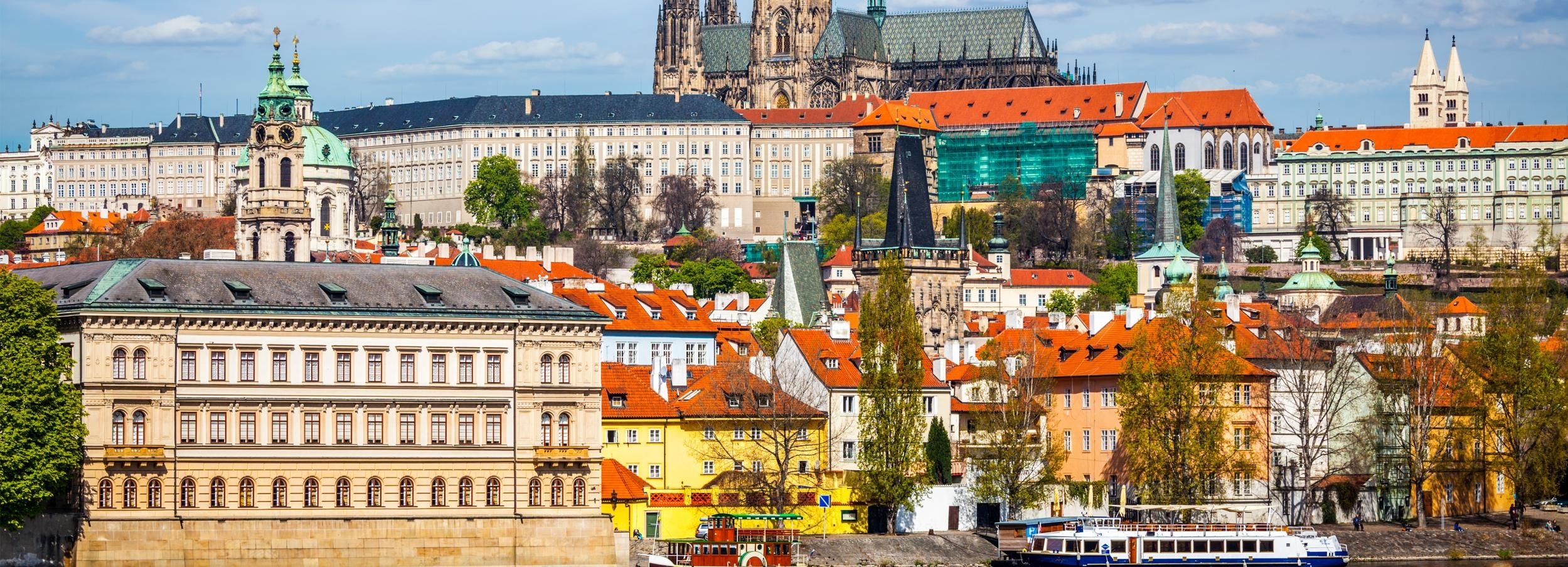 Prague: Full-Day Tour and River Boat Cruise