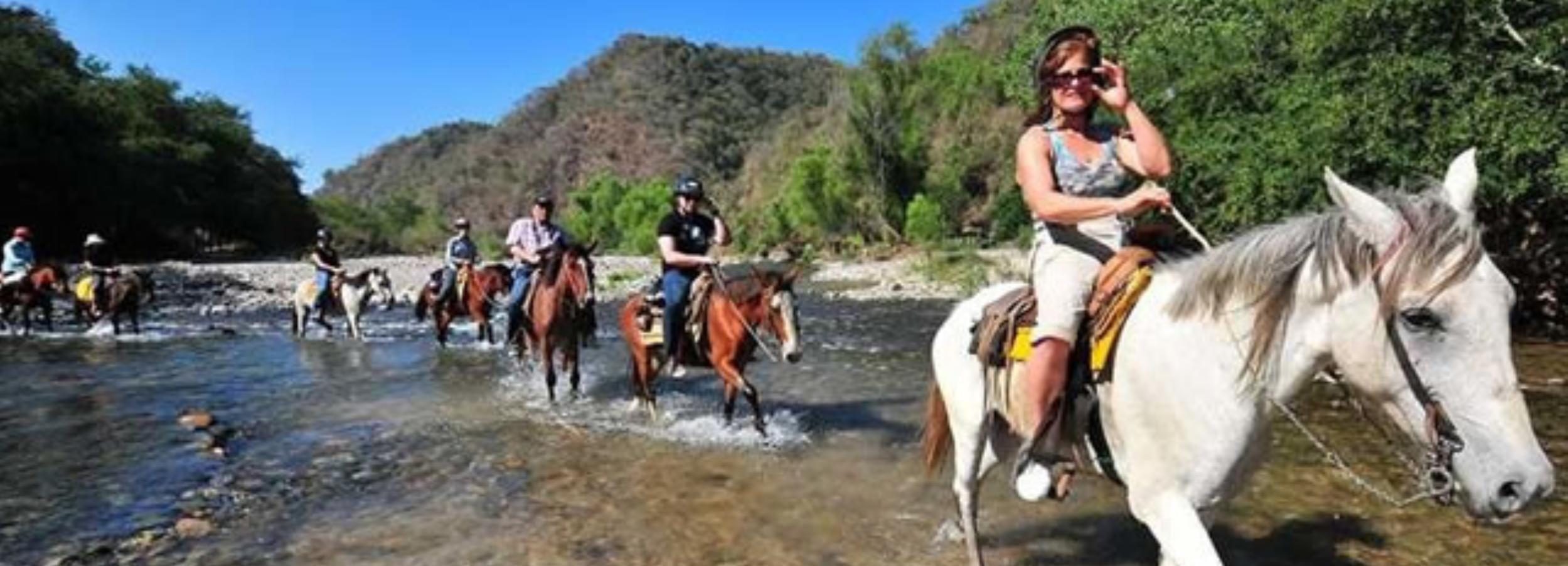 Puerto Escondido: Horse Ride to the Atotonilco Hot Springs