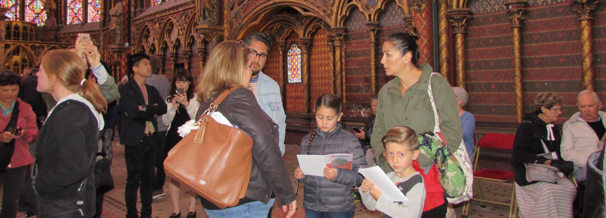 Private Treasure Hunt around Notre Dame for Families & Kids