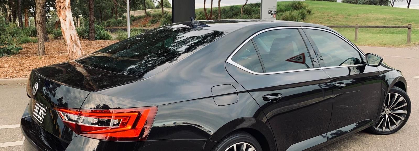 Sydney: Premium Airport Transfer with Meet and Greet