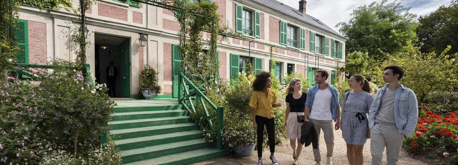 From Paris: Monet Impressionism Tour to Giverny by Minibus
