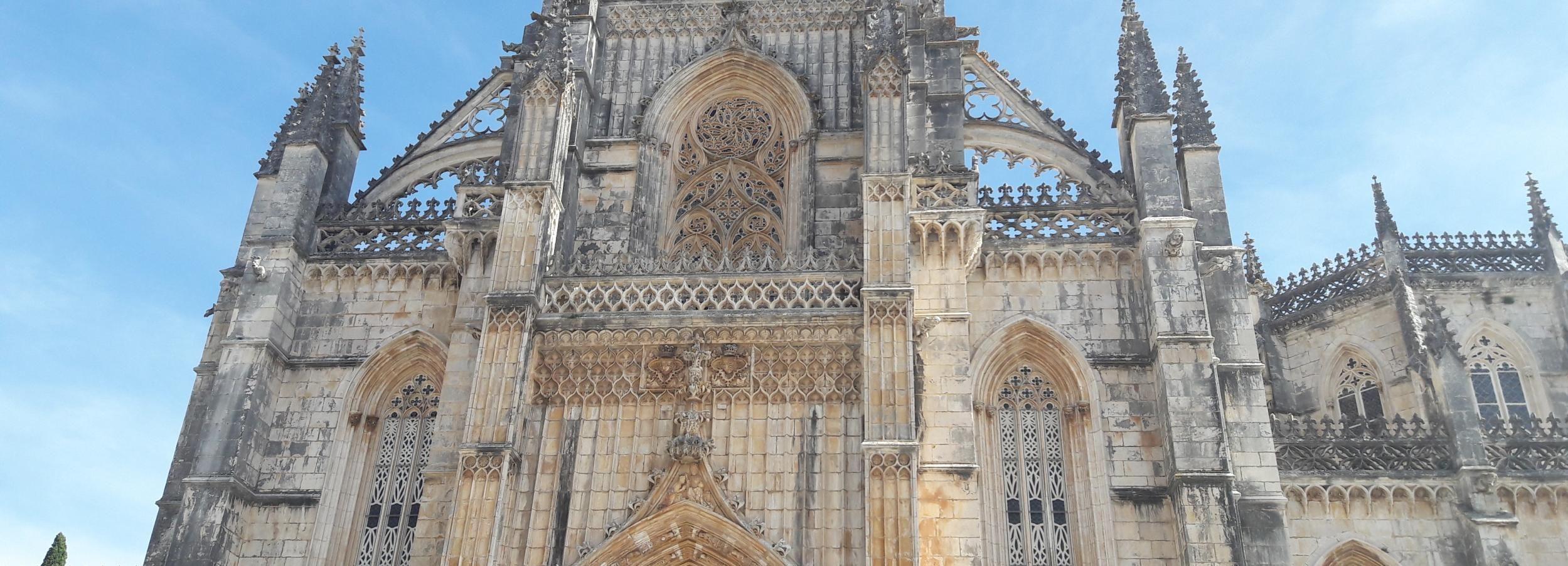 De Lisboa: Excursão Guiada Privada Maravilhas do Portugal Antigo