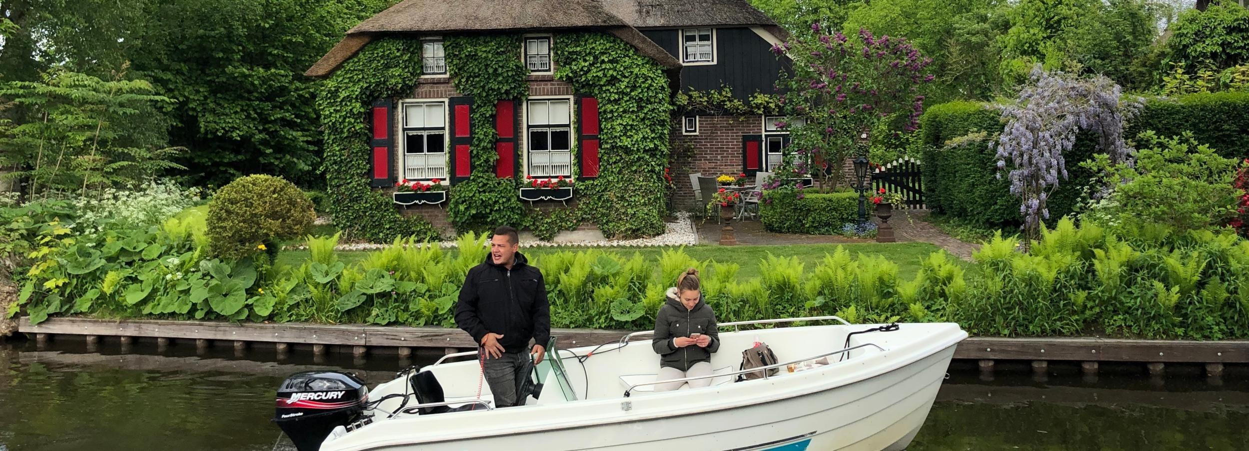 Amsterdam: Giethoorn, Volendam, and Zaanse Schans Tour