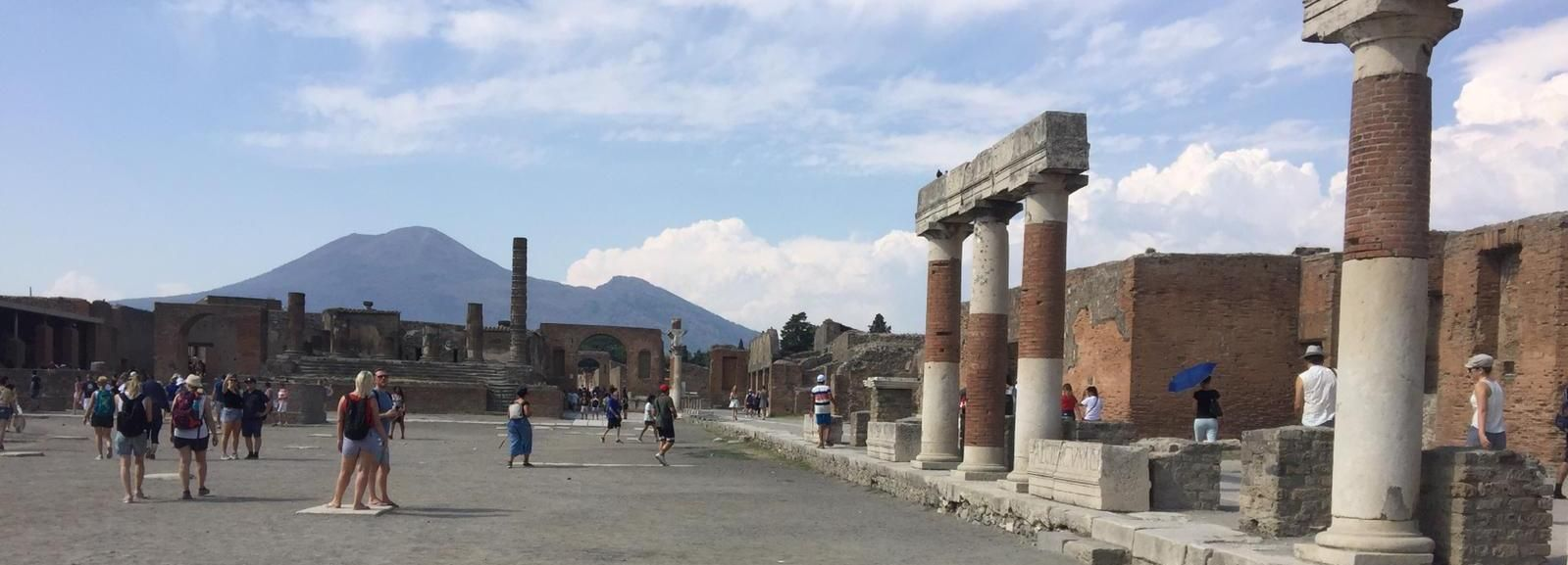 Pompeii: Transfer from Rome