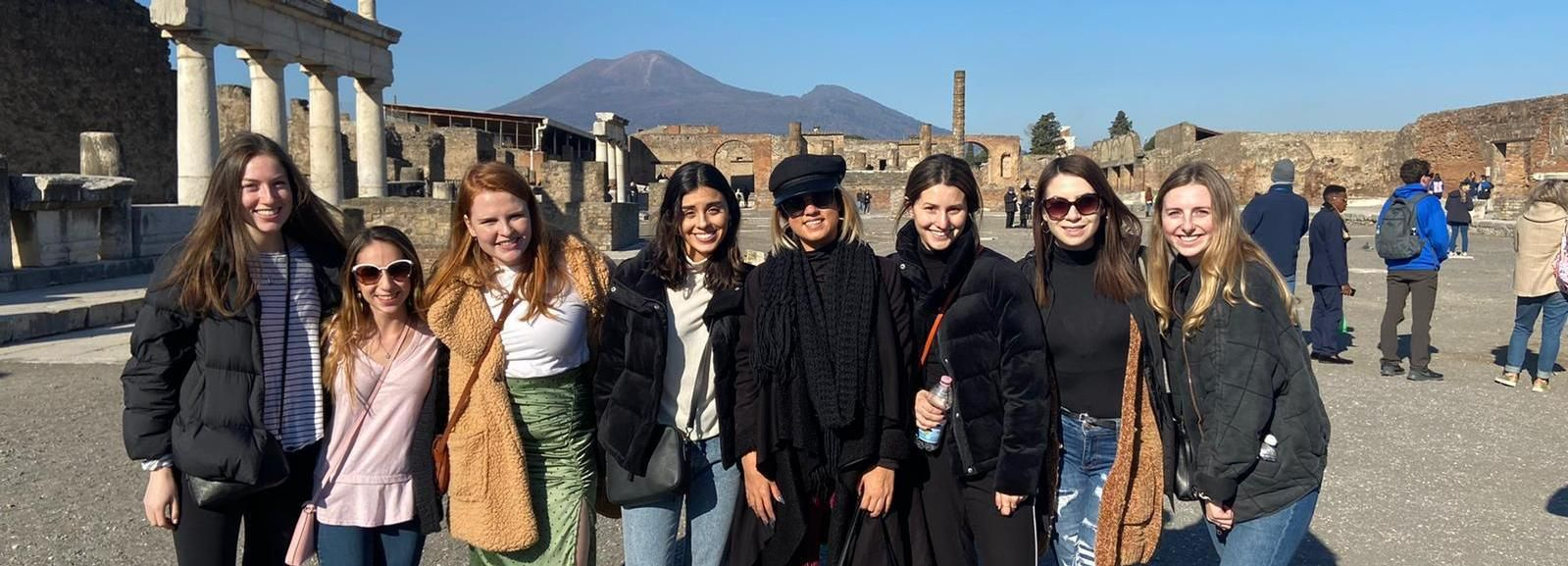 From Rome: Pompeii All-Inclusive Tour with Live Guide