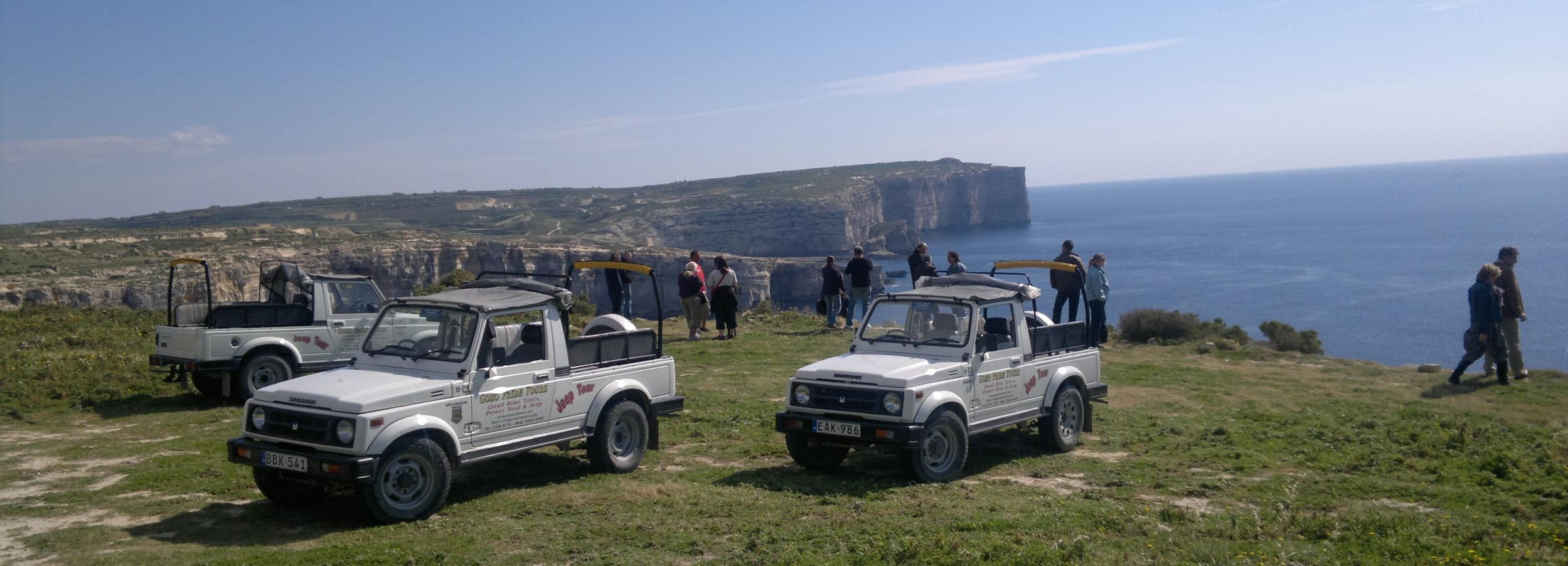 Malta: Cabin Cruise and Jeep Combo Tour to Comino and Gozo