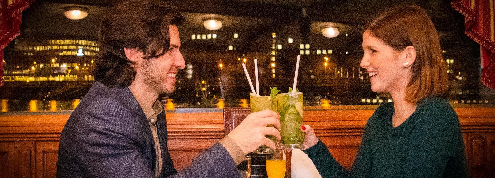 Budapest: crociera serale con bevande e musica dal vivo