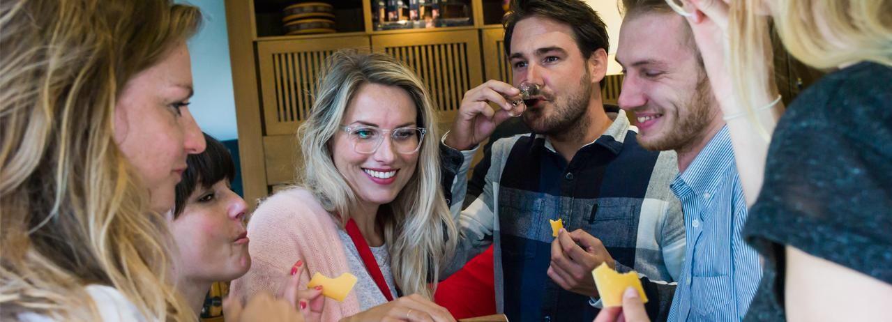 Amsterdam: Cultural Food Tour in German