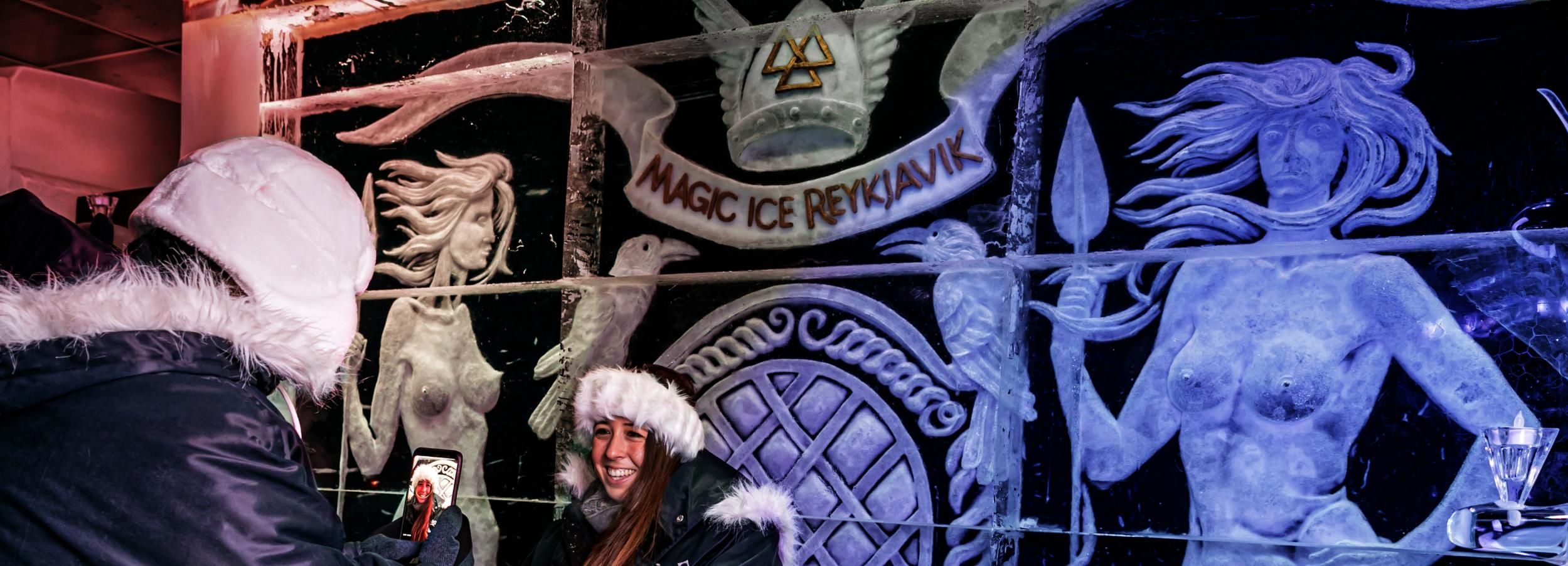 Reykjavik: Magic Ice Bar Entrance and Welcome Drink