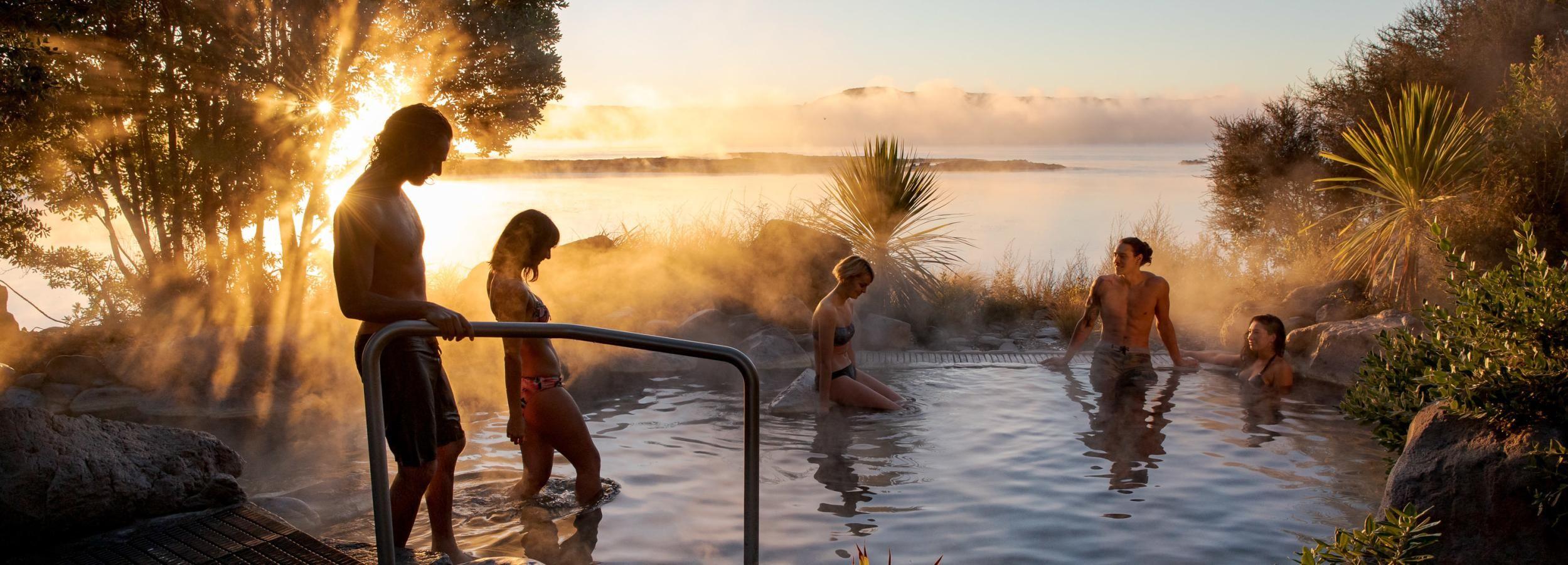 Rotorua Lake: Deluxe Lake Spa Geothermal Hot Spring Bathing