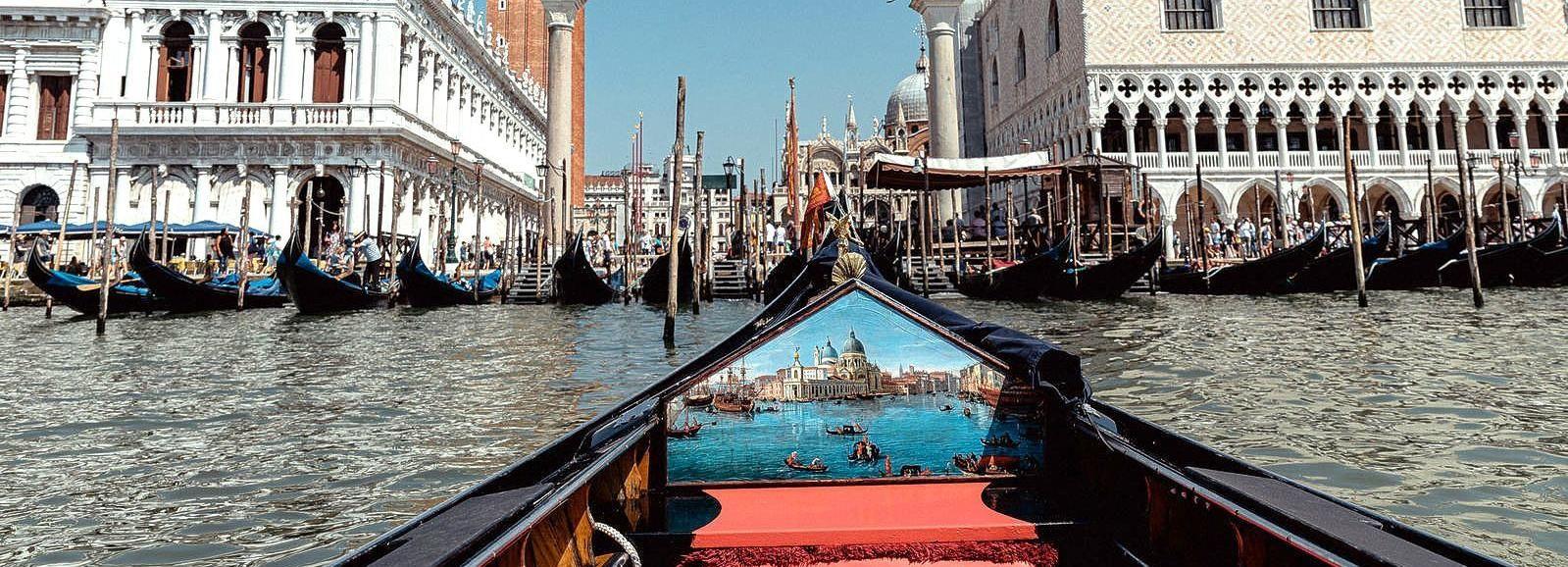Venice: Shared Gondola Ride in St. Mark's Area
