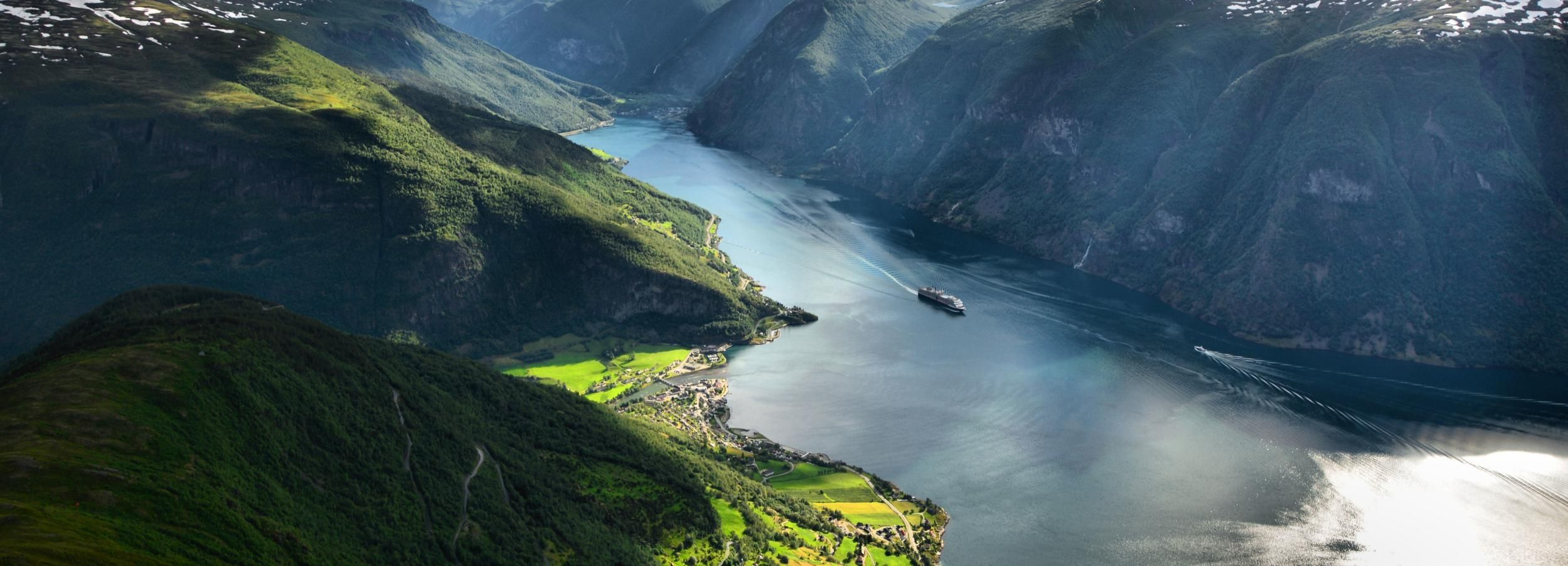 From Bergen: Private Guided Day Trip to Sognefjord