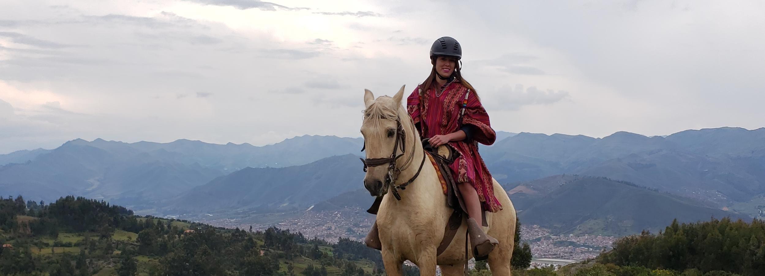 Cusco: Excursão a cavalo de dia inteiro a templos inca escondidos