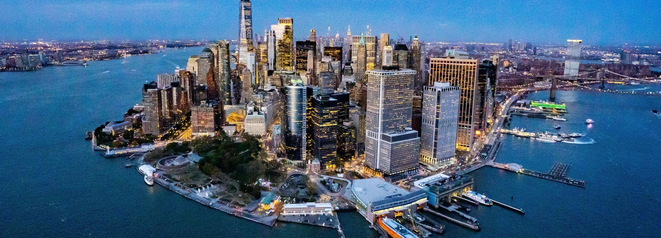 ニューヨークシティ:風光明媚なヘリコプターツアーと空港送迎