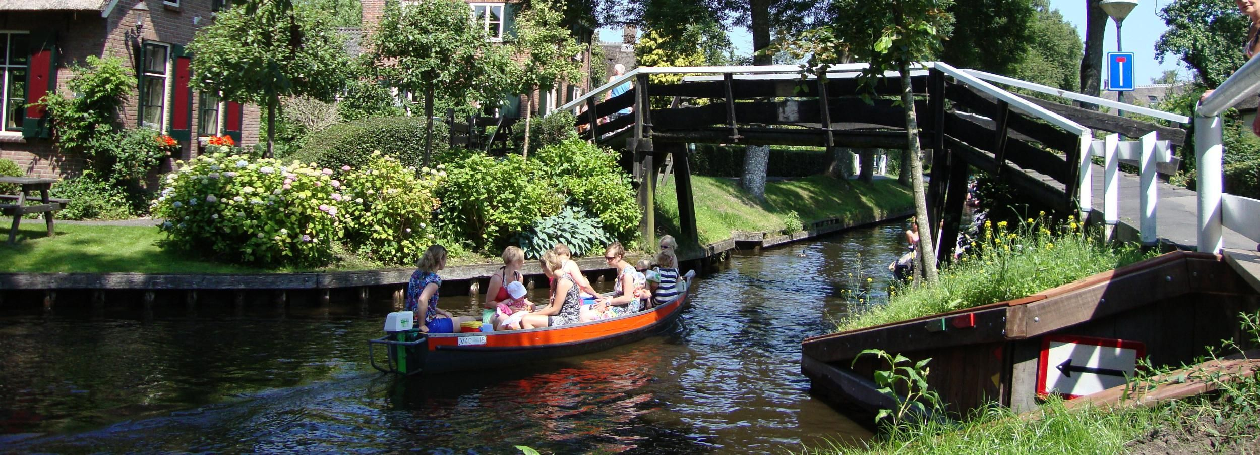 From Amsterdam: Day Trip to Giethoorn and Schokland