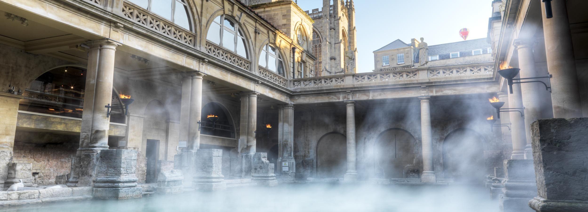 Stonehenge & Roman Baths: Full-Day Tour from London