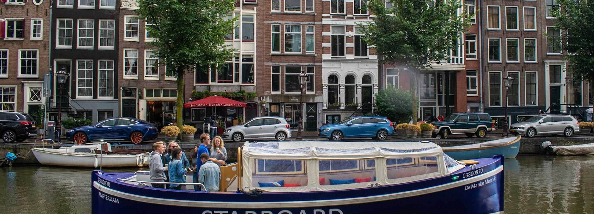 Amsterdam: Private BBQ Booze Cruise