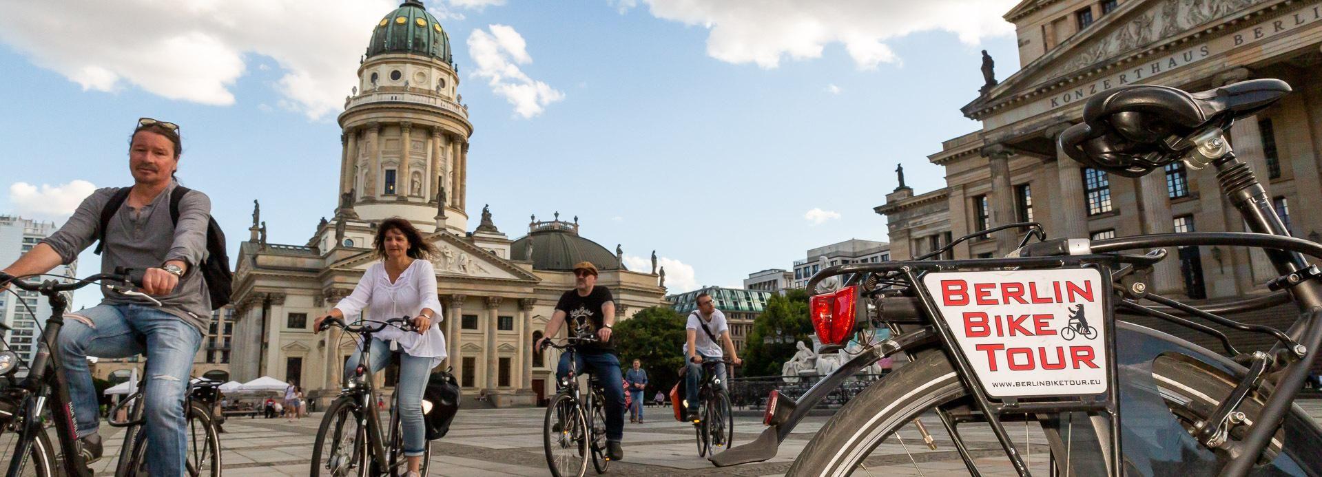 Berlin: Small Group Bike Tour Through City Center