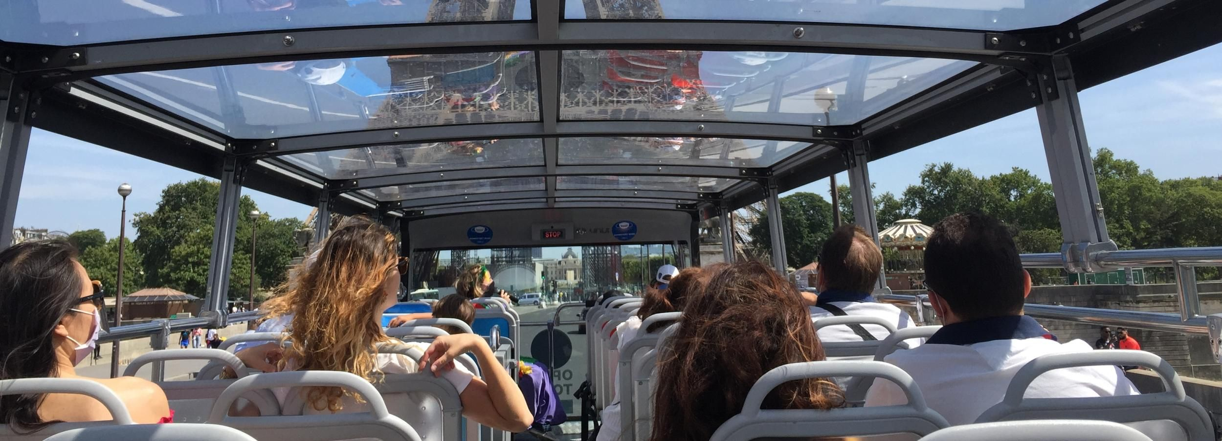Paris: Open Top Bus Tour for Kids in French