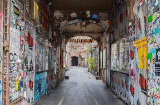 Berlin: Kleingruppen-Rundgang zu versteckten Hinterhöfen
