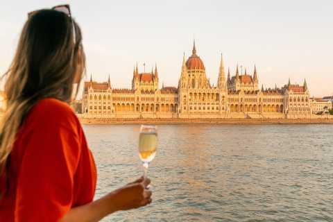 Budapest: Ultimative Bootsrundfahrt am Abend mit Getränk