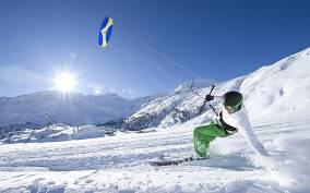 Snowkiting School on the Simplon Pass