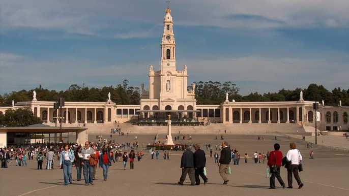 Tour privado de 9 horas a Fátima, Batalha, Nazaré y Óbidos