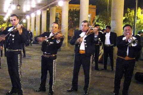 Garibaldi por la noche: cena en el Bellini