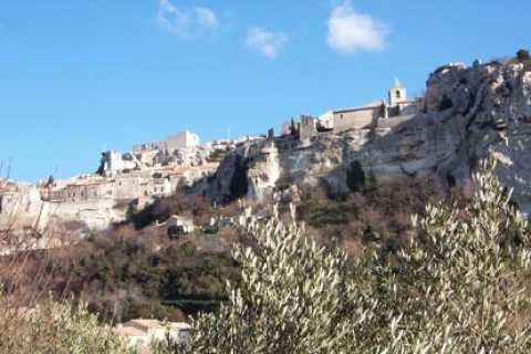 From Avignon: 5-Hour Olive and Wine in Les Baux-de-Provence
