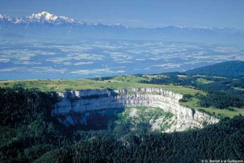 2 or 3-Day Guided Hiking Tour in Jura, Switzerland