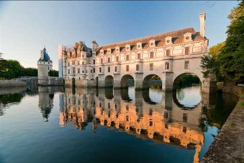 From Paris: Fairytale Loire Castles with Wine Tasting