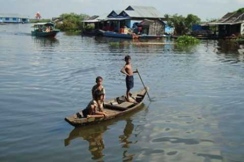 Kompong Khleang Floating Village: Full-Day from Siem Reap