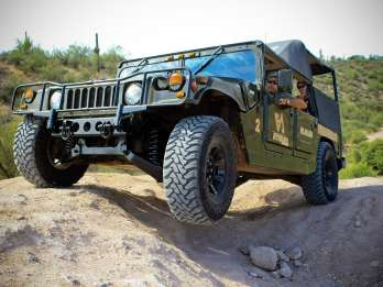 4-Stunden-Off-Road H1 Hummer-Tour in Tonto National Forest