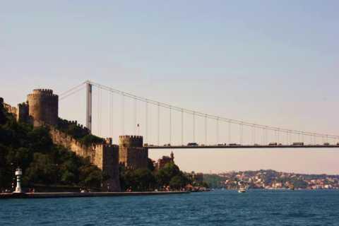 Cruzeiro pelo Bósforo e Palácio Dolmabahçe dia inteiro