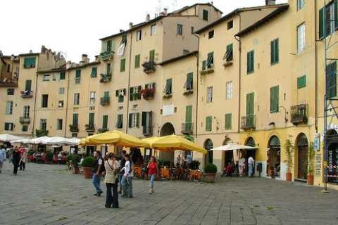 Meio-Dia-Tour de Lucca De Florença