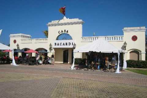 Puerto Rico: Bacardi Distillery Tour and Old San Juan